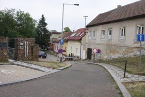 Uzávěra ulice U Rybníčka